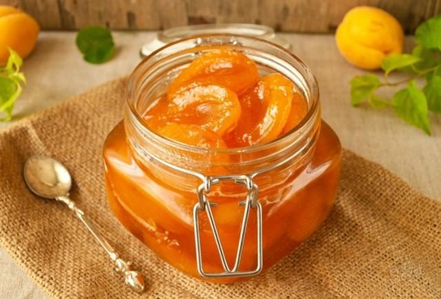 Вкусное абрикосовое варенье по бабушкиному рецепту 0