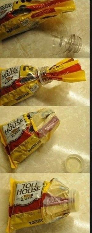 Ещё один удобный способ держать пластиковые пакеты закрытыми.