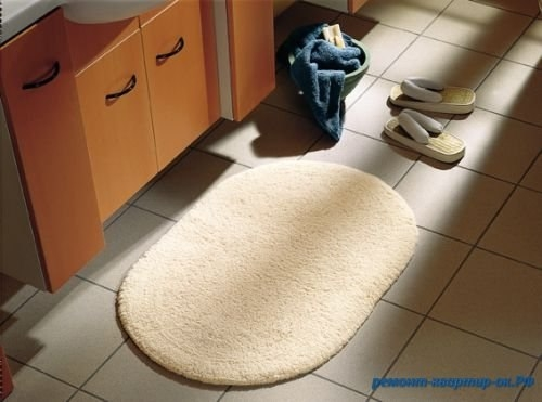 Синтетический коврик не будет скользить