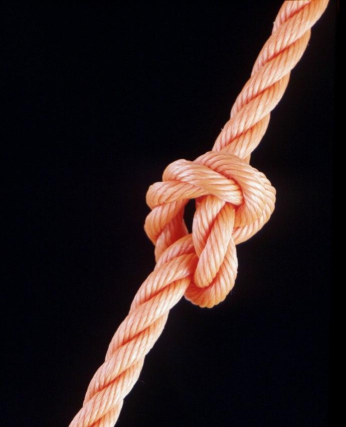 Развязывая туго затянутый узел