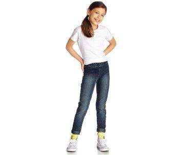 Как сохранить цвет джинсовой одежды