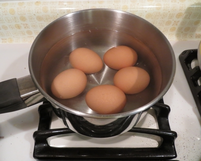 Вода после варки яиц просто незаменима для ваших домашних растений