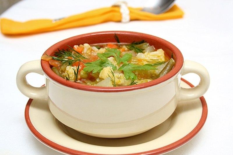 Убрать излишки жира из супа или жаркого