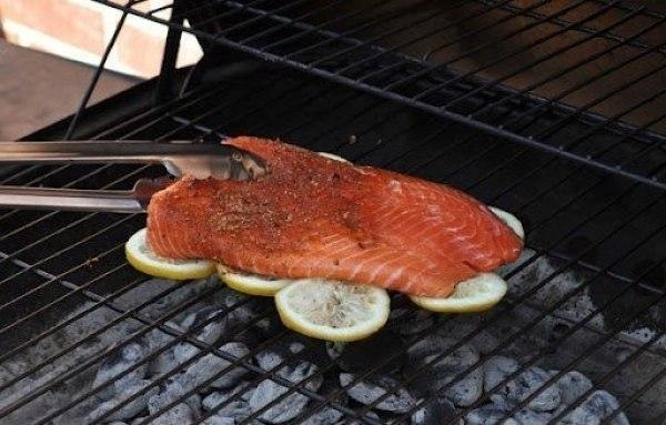 Чтобы рыба на гриле была вкуснее