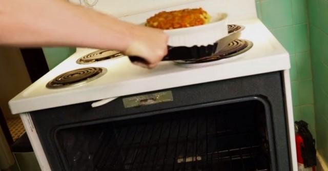 Для чего держать на кухне металлический совок? 0