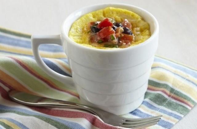 Как приготовить быстрый омлет на завтрак? 0