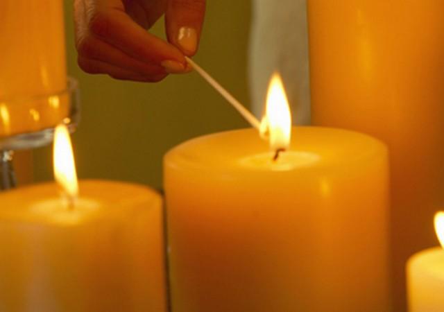 Как удобнее поджечь свечи? 0