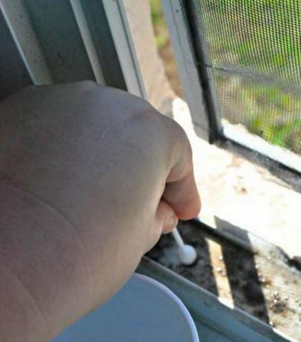 Как почистить оконные рамы? 0