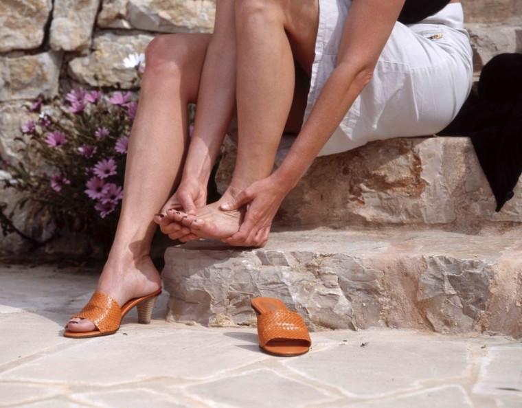 Проверенные способы разнашивания тесной обуви 0