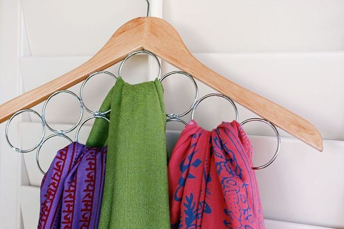 Самые разные способы хранения шарфов 0