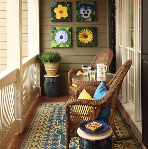 Идеи, как организовать уютный балкон 5