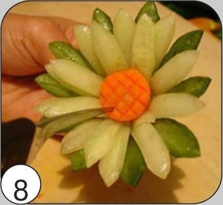 Как сделать лилию из огурца 8