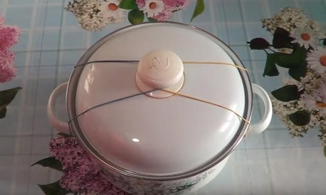 Как перевезти кастрюли без проливания из них содержимого 0
