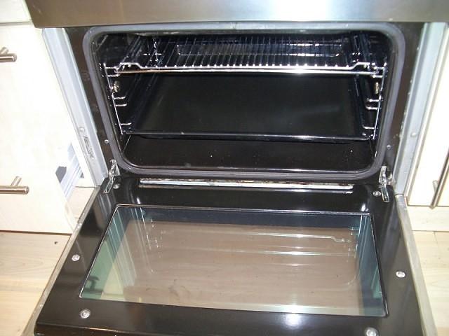 Эффективно и легко очищаем духовку от нагара 0