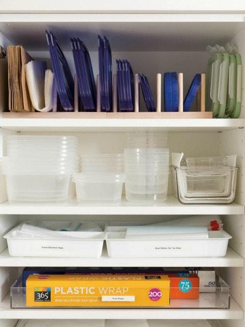 Как удобно и компактно хранить пластиковые контейнеры 6