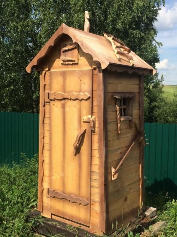 Как превратить туалет на даче в произведение искусства 5