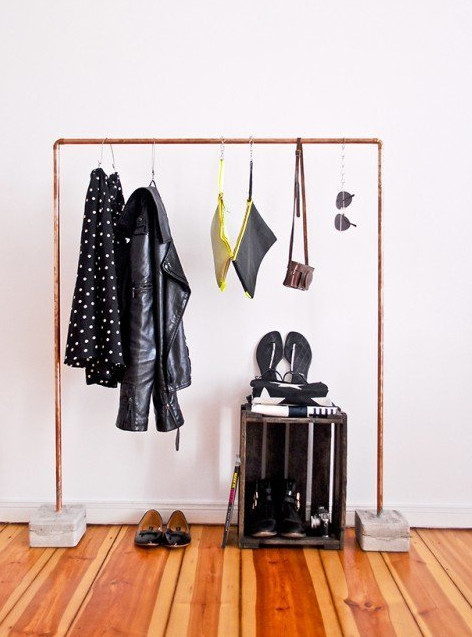 Варианты хранения вещей для тех, у кого нет шкафа 0