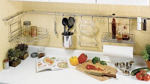 Как использовать рейлинги для кухни максимально полезно 8