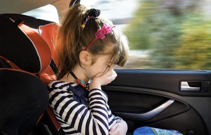 Ребёнка укачивает в машине: что делать 0