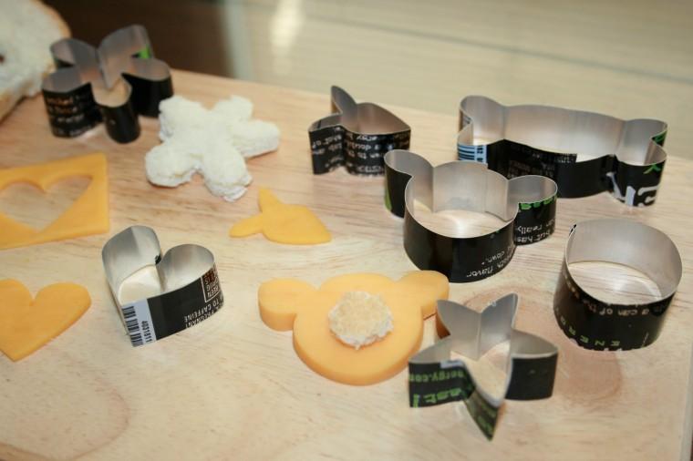 Как сделать фигурные формочки для печенья из жестяной банки 6