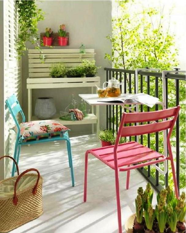 Идеи, как организовать уютный балкон 1