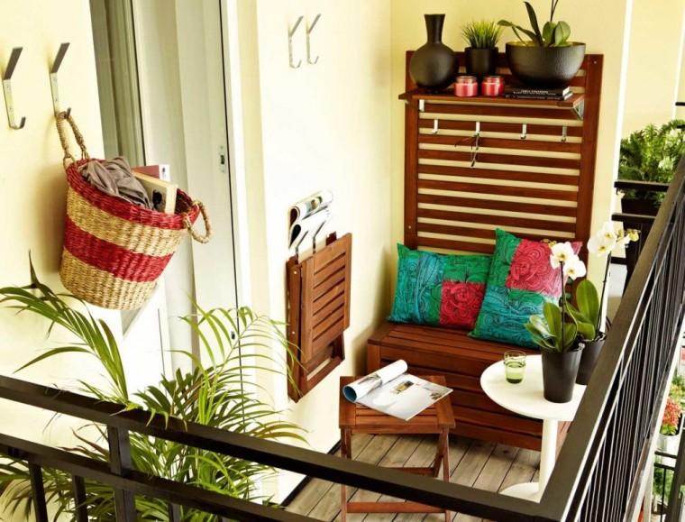 Идеи, как организовать уютный балкон 6