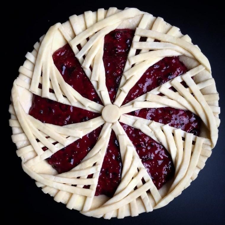 Интересные идеи декора пирогов 5