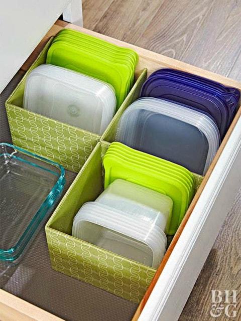 Как удобно и компактно хранить пластиковые контейнеры 3