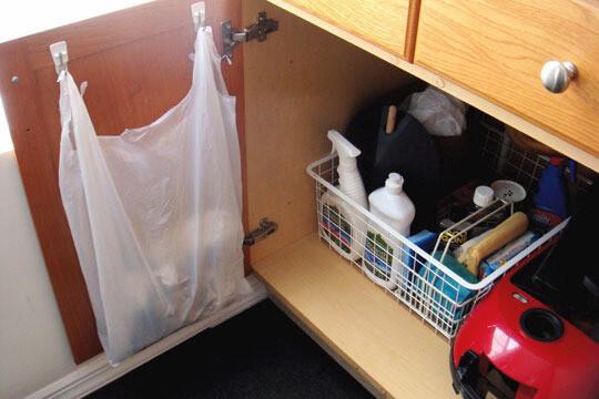 Как удобно хранить пакеты, чтобы они не занимали много места и их было легко достать 4