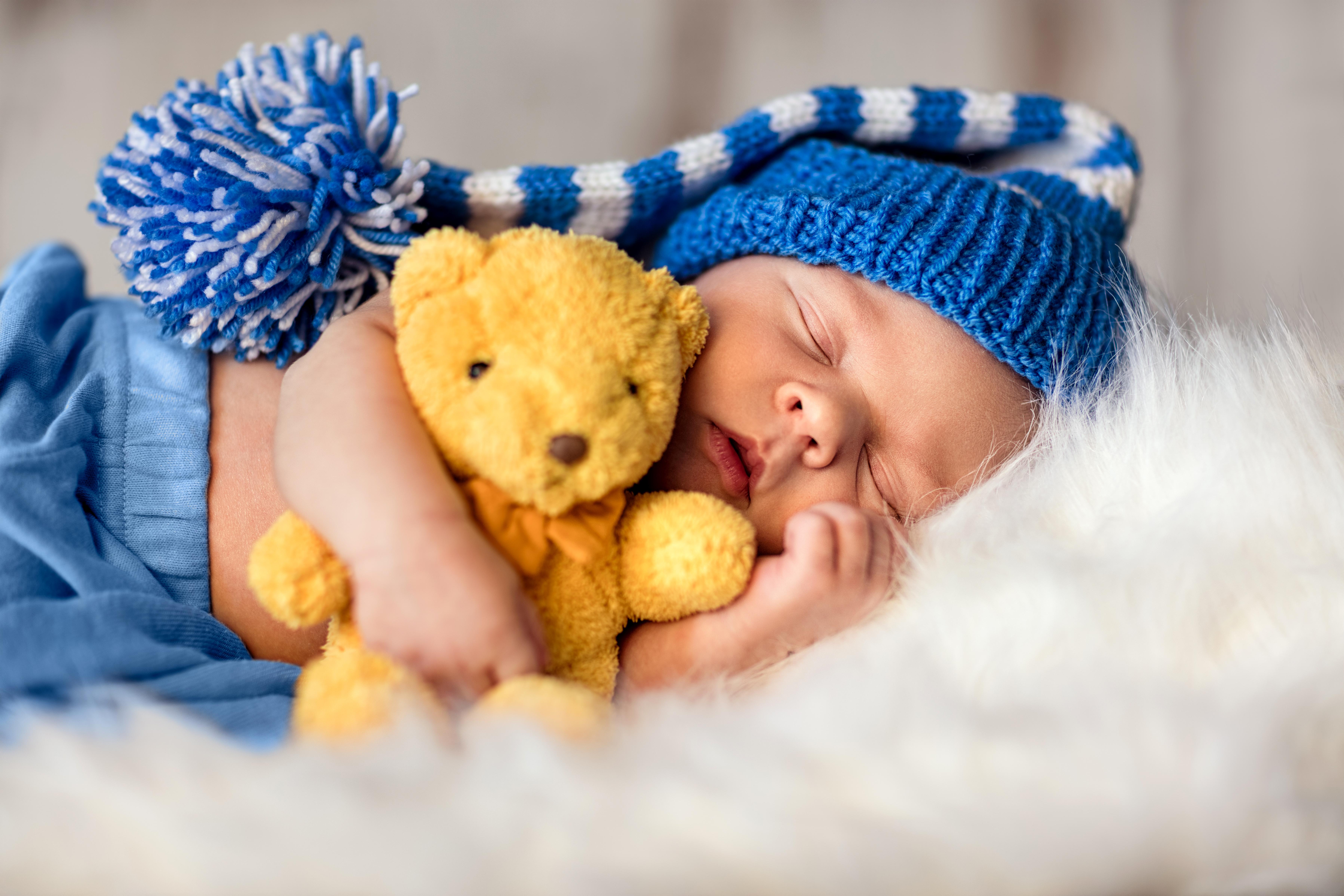Советы по приучению ребенка спать всю ночь