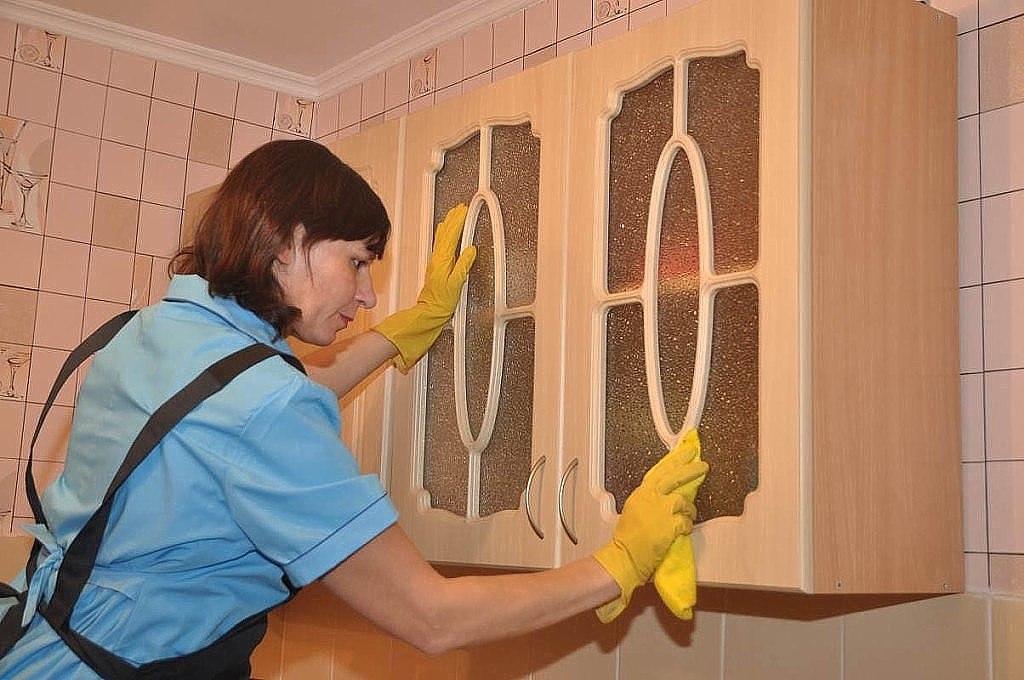 Чем отмыть стенку от жирных пятен фото