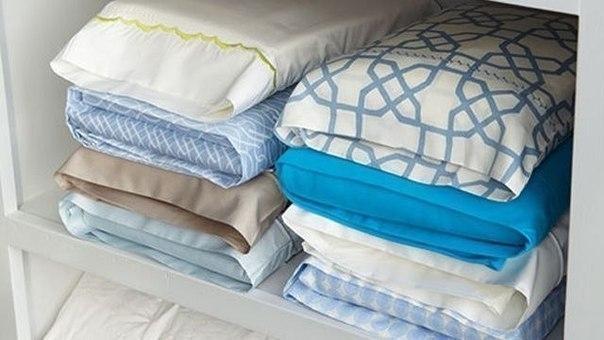 Храните комплекты постельного белья в их наволочках 0