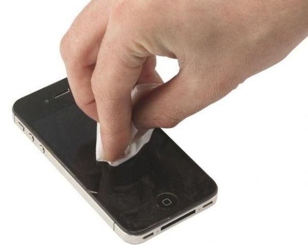 Как убрать царапины с телефона 0