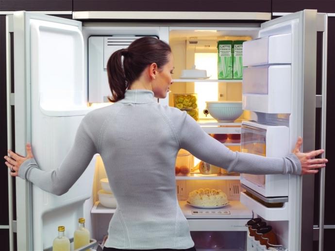 Как удалить запах из холодильника 0