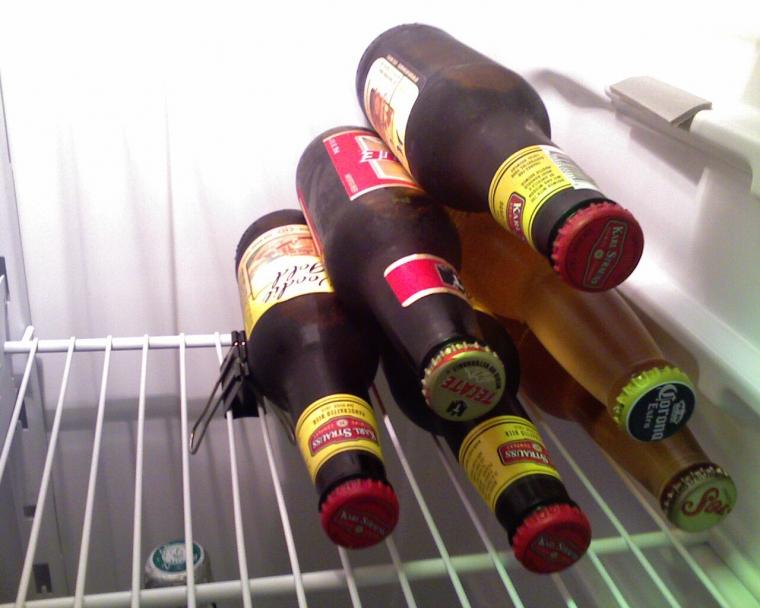 Как компактно хранить бутылки в холодильнике 0